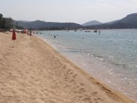 The beach of Toroni is long and has many cafes and restaurants