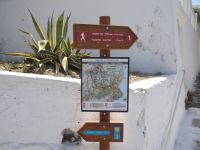 Cyclades - Santorini - Pyrgos - Paths